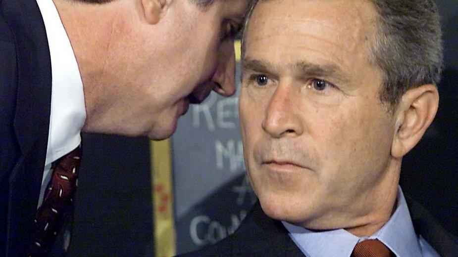 Moment, w którym George W. Bush dowiedział się o uderzeniu drugiego samolotu