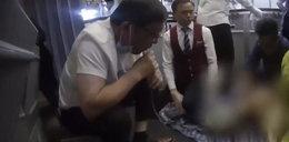 Dramat na pokładzie samolotu. Wysysał mocz ustami