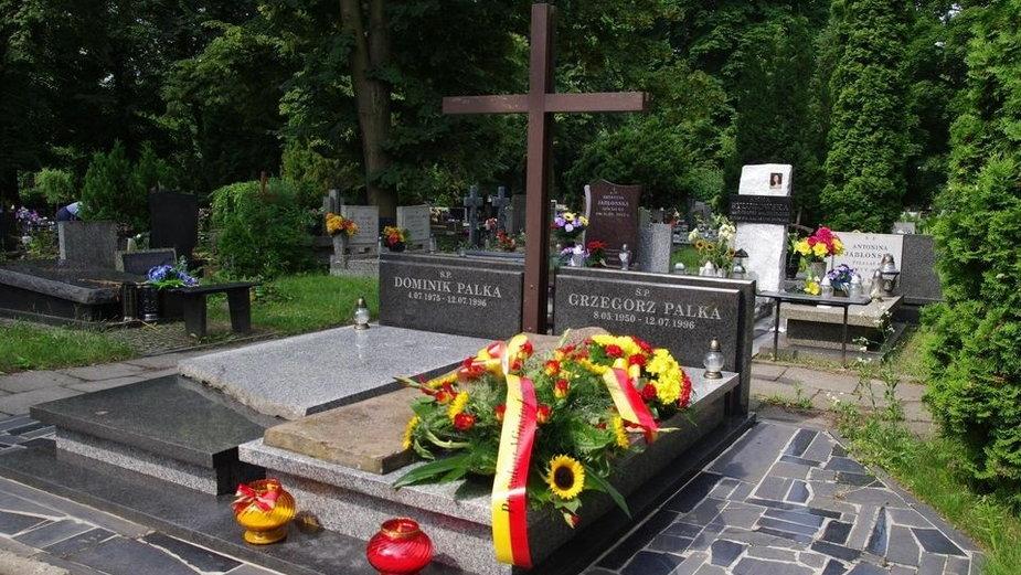 Grób Dominika Palki i Grzegorza Palki na cmentarzu na Dołach