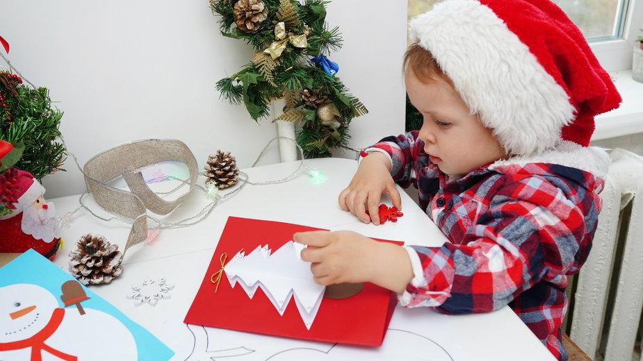 Pomysły na zimowe prace plastyczne dla dziecka