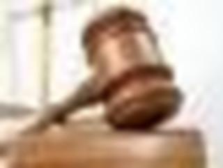 Sąd umorzył sprawę 'króla wnuczkowej mafii'. Oskarżony o wyłudzenie 1,6 mln zł Arkadiusz Ł. wyszedł z aresztu