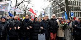 Szokujący list Polonii: nie dawać wiz KOD-owcom. To terroryści