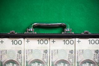 KPO: Wakacyjne przyśpieszenie. Są pytania o przejrzystość wydawania eurofunduszy