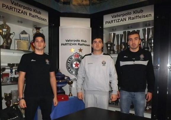 Zoran Milenković sa vaterpolistima Partizana