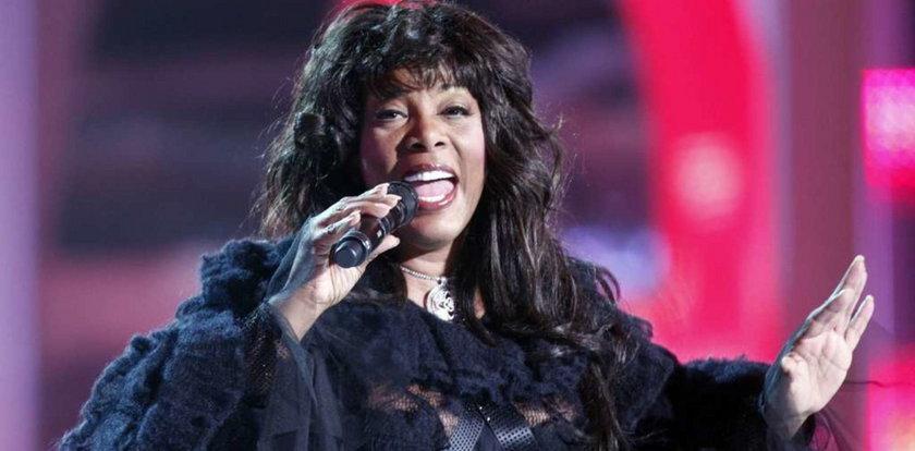 Słynna piosenkarka zmarła przez rakotwórczy pył?!