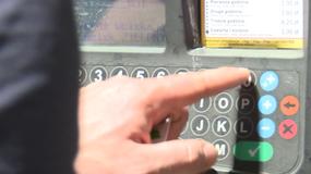 Wpisujesz numer rejestracyjny auta do parkomatów? To niebezpieczne.