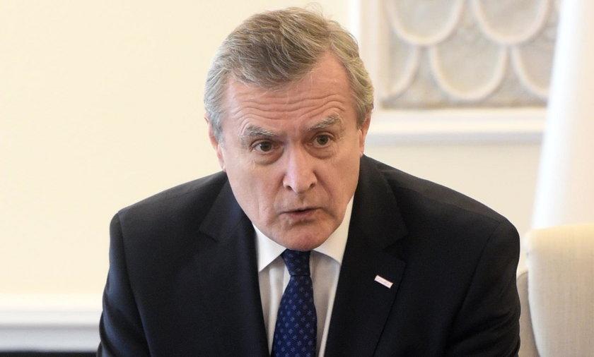 Wicepremier Piotr Gliński musi się wytłumaczyć z tej transakcji