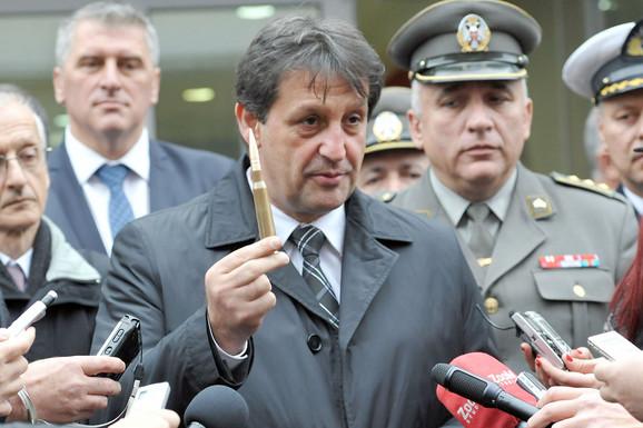 Bratislav Gašić nije smenjen zbog slučaja