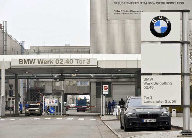 Fabryka BMW w Dingolfing, Bawaria, Niemcy. W minionym miesiącu zarejestrowano 44,4 tys. samochodów osobowych i dostawczych do 3,5 tony – to o 8 proc. mniej niż rok temu