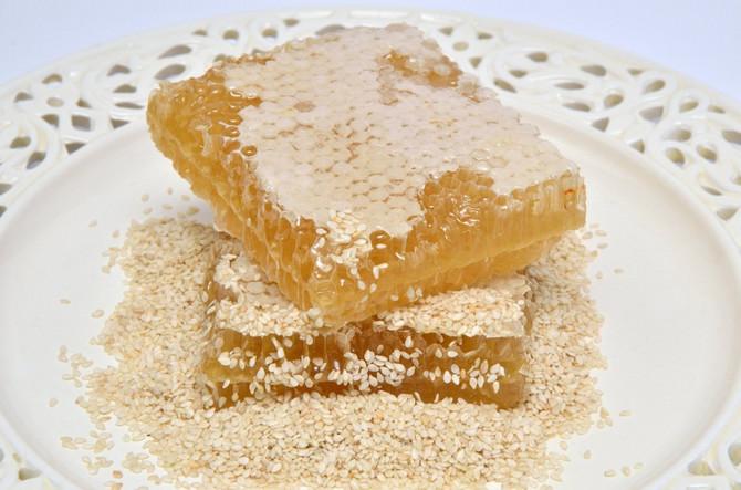 Mešavina meda i paste od tahinija je izrazito moćna