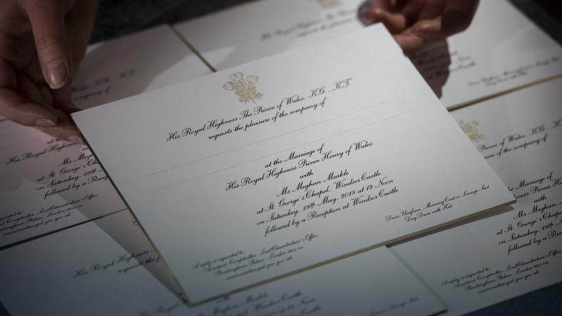 Książę Harry I Megan Markle Rozesłali Zaproszenia ślubne Do 600