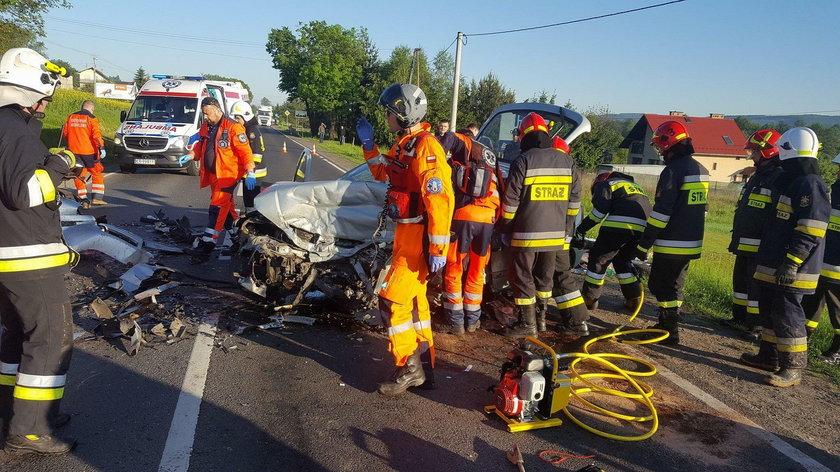 Śmiertelny wypadek na DK 79 z Krakowa do Chrzanowa. Nie żyje młoda kobieta