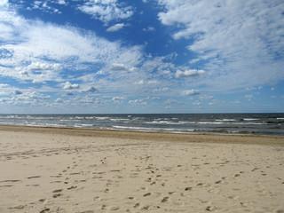 Z powodu deszczu turyści uciekają znad Bałtyku