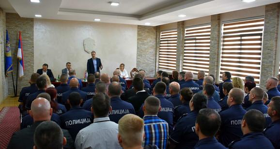 Stefanović i Rebić obišli su Policijsku upravu u Zaječaru