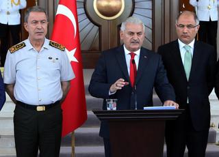 Premier Turcji: Przewrót udaremniony, sytuacja całkowicie pod kontrolą