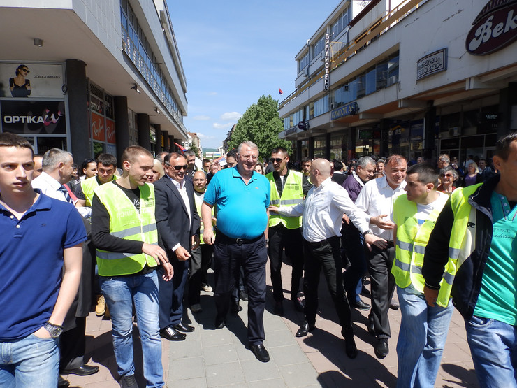 Kraljevo 02 - Šešelja dočekale brojne pristalice - Foto N. Božović