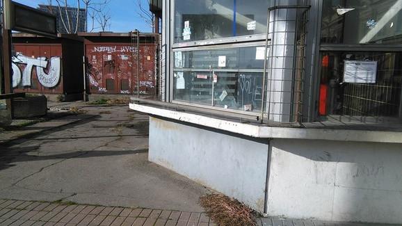 Kiosci su prazni i napušteni