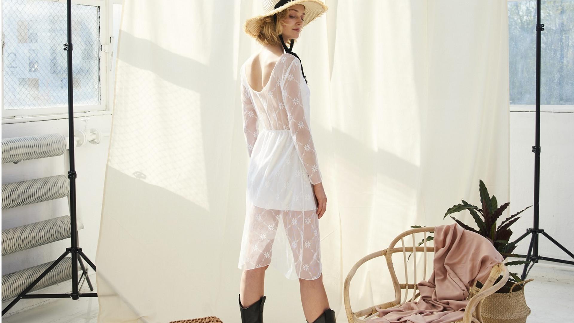 d4acd84ecd7ca5 Sukienki ze starych firanek - Ola Kaszkowiak z Oho Design opowiada, jak  łamie koronkowe stereotypy