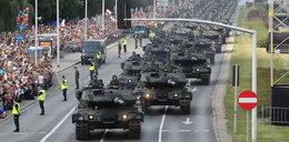 Podziwiaj nasza armię na defiladzie