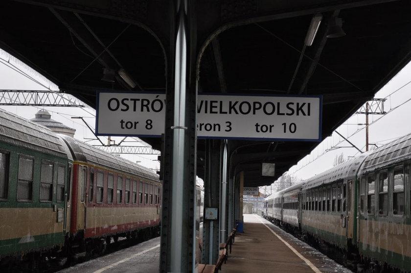 Ostrów Wielkopolski: z powodu oblodzenia i mrozu pociag był opóźniony 390 minut