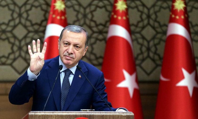 """Erdogan do Merkel: """"Ty także postępujesz jak nazistka"""""""