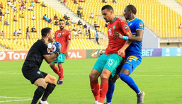 Raja Casablanca goalkeeper Anas Zniti (L) did not concede a goal in the CAF Confederation Cup group stage. Creator: Daniel BELOUMOU OLOMO