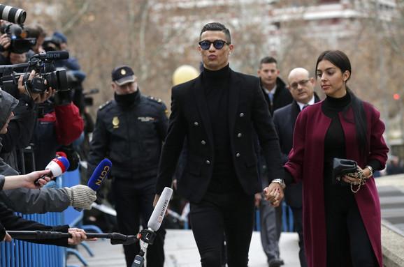Ronaldo i njegova verenica pred madridskim sudom