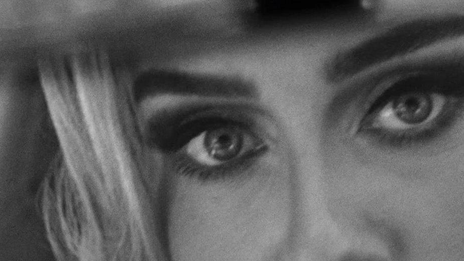 """Adele w nowym klipie """"Easy on me"""" z albumu """"30"""""""