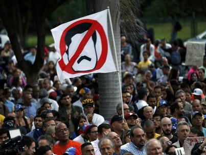 Wenezuela jest bliska bankructwa i wojny domowej