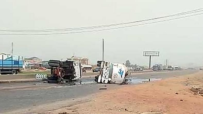 Fuel tanker falls on its side