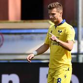 """Darko Lazović - MAJSTOR SLOBODNJAKA! Novom """"lepoticom"""" doneo prednost svom timu, ali je Verona ipak izgubila /VIDEO/"""
