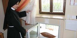 Mały Franio znaleziony w oknie życia w Rzeszowie. Wszyscy chcą go adoptować