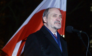 Macierewicz: Tworzymy największą grupę stoczniową nad Bałtykiem