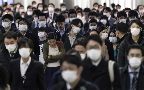 Stanovnici Tokija uglavnom nose maske