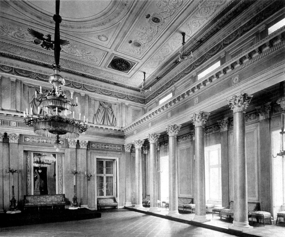 Pełen przepychu Pałac Henckelów von Donnersmarck zaprojektowany przez Carla F. Langhansa. Zburzony w czasie nalotu z użyciem bomb zapalających