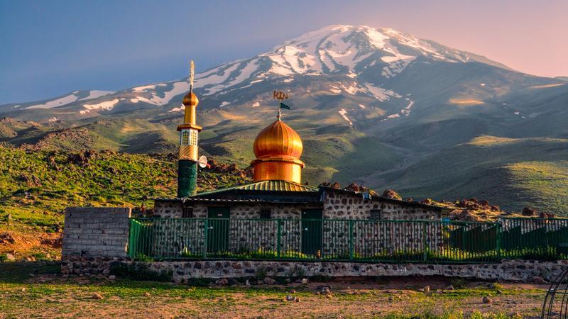 Meczet pod Damavand, Iran