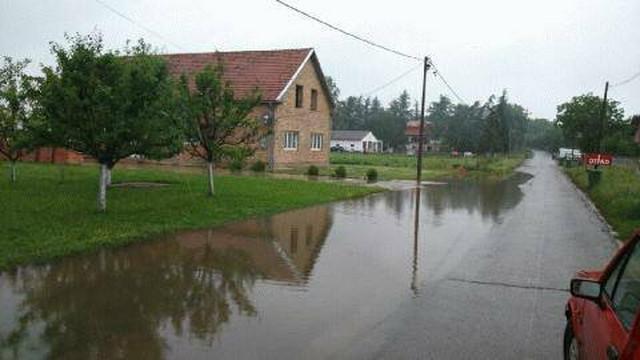 Kuća porodiće Janovljanin poplavljena posle kiše