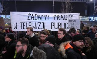 Warszawa: Manifestacja 'Stop propagandzie nienawiści' pod siedzibą TVP