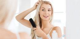 Jak i czym prawidłowo szczotkować włosy, by ich nie niszczyć?