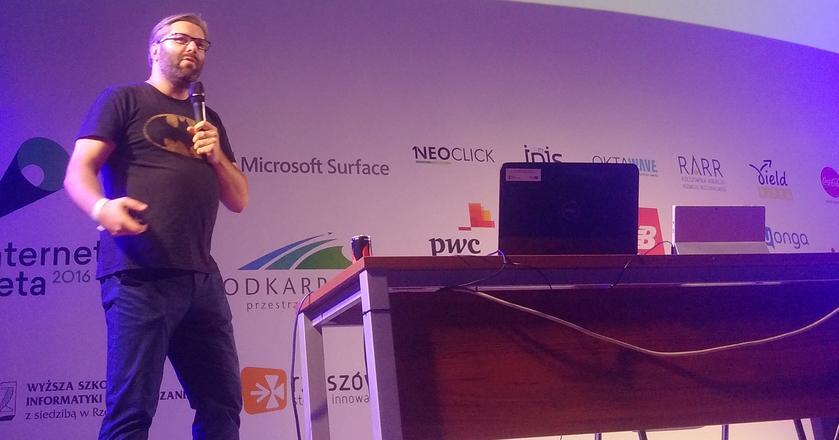 Paweł Tkaczyk opowiada o komunikacji na Internet Beta 2016
