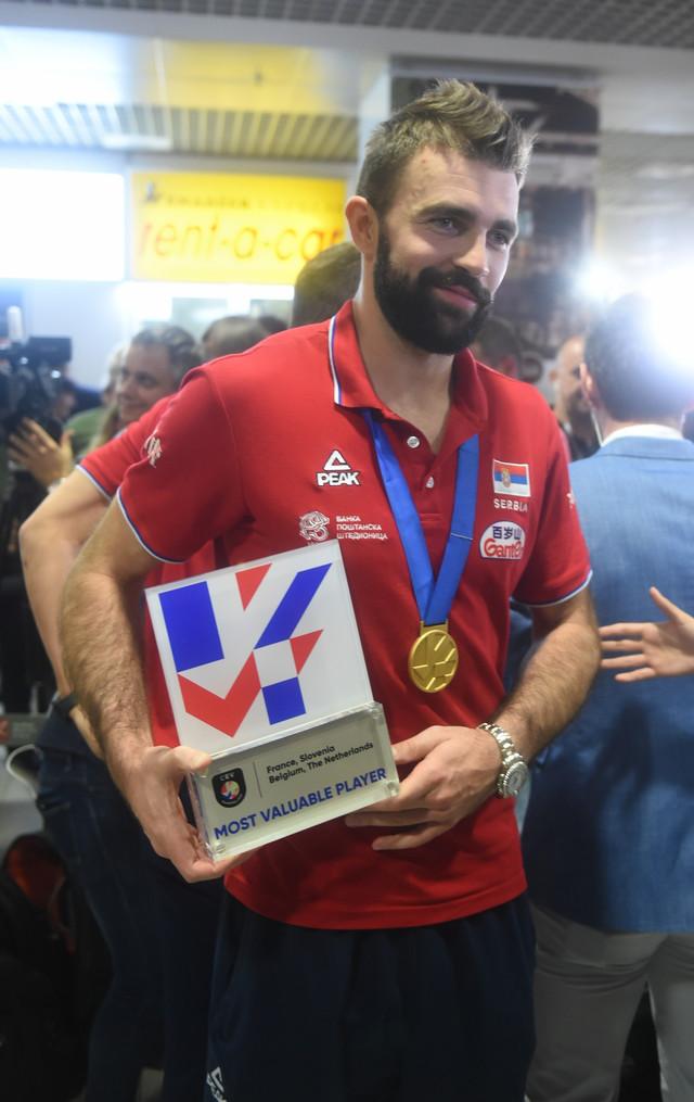 Uroš Kovačević sa MVP nagradom