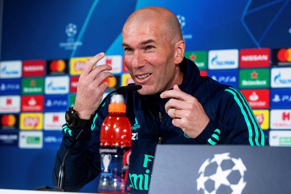 Zinedin Zidan na konferenciji za medije pred duel Real Madrida i Mančester sitija u osmini finala Lige šampiona