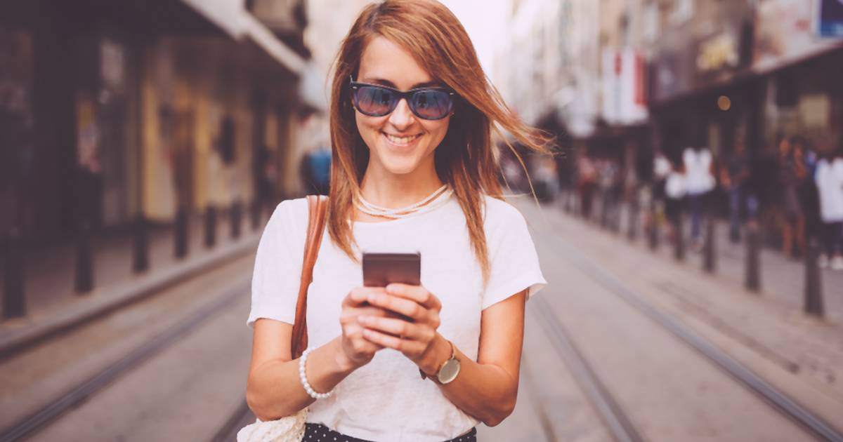 Tridsaťosemročná Denise odoslala sedemtisíc SMS správ a viac ako dve tisícky emailov, keď sa jej ex odsťahoval do Melborune v Austrálii.