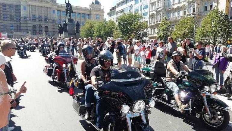 115-lat Harley-Davidson w Pradze