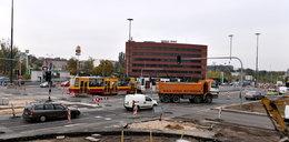 Drogowcy nie położą asfaltu na al. Mickiewicza