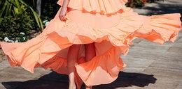 Sukienka z falbankami – modna i kobieca kreacja na lato!
