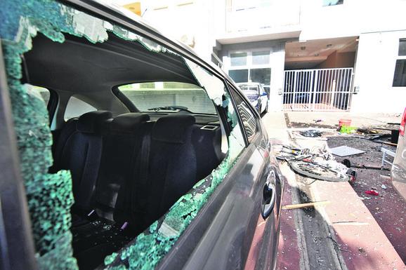 Oštećena je i okolina stana u kom je eksplodirao butan
