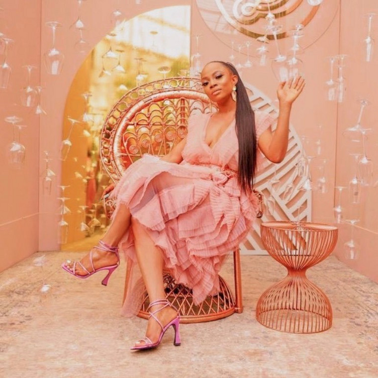 Toke Makinwa turned 35 on Sunday, November 4, 2019, and to mark the special day she teased her followers with some really stunning photos. [Instagram/TokeMakinwa]