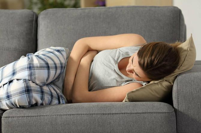 Mučnina, gađenje, povraćanje, nabreklost u dojkama, učestalo mokrenje, pospanost česti su simptomi trudnoće