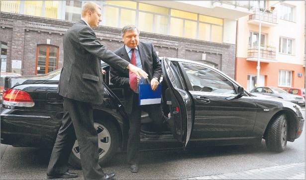 Jerzy Miller ogłosił przetarg na system informatyczny dla sieci CPR-ów Fot. Adam Chełstowski/Forum